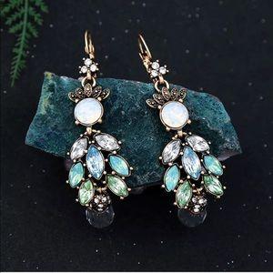 Jewelry - 💎 Vintage Aqua Chandelier Opal Dangle Earrings